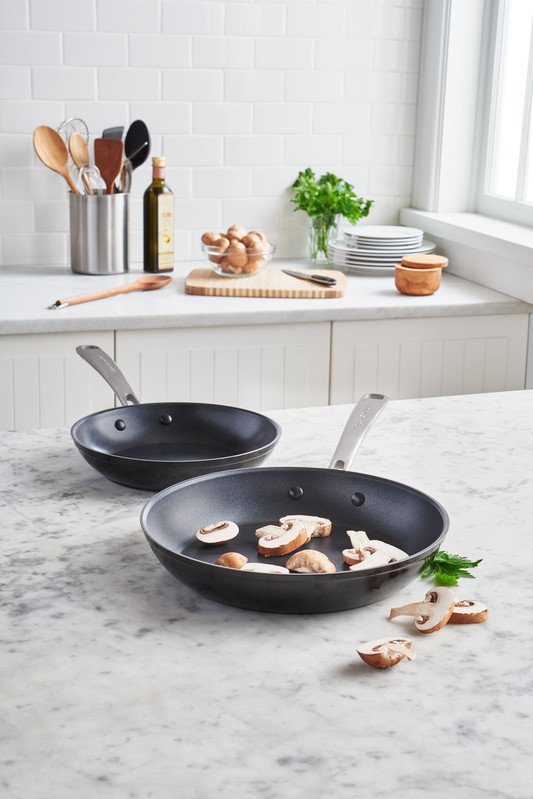 KitchenAid Bratpfanne 30 cm, harteloxiert KC3H112SKEBE und 20 cm KC3H110SKEBE
