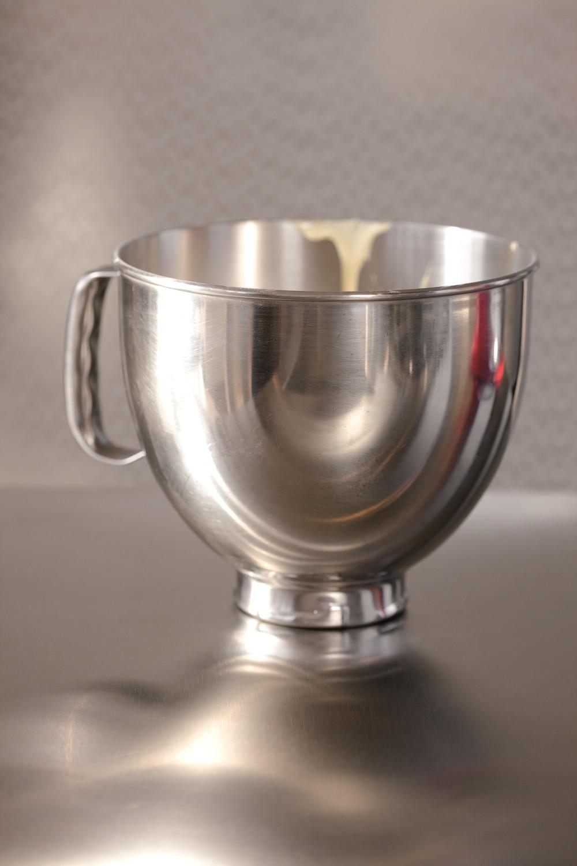 Edelstahlschüssel 4,83 Liter mit Griff von KitchenAid Artisan