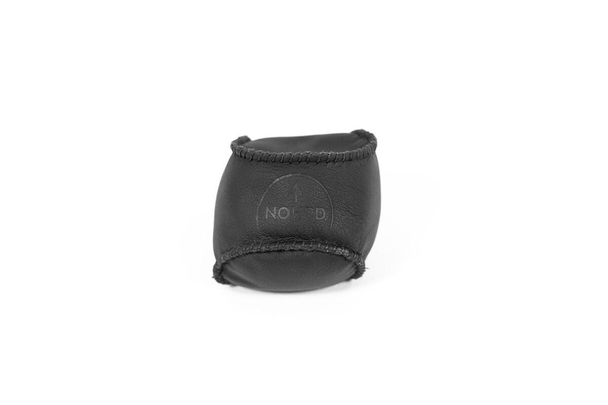 NOHrD HaptikBall 300g schwarz - handgenähter Gewichtsball aus Leder, 17.110, 4260263014725