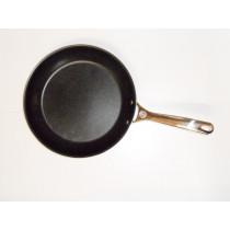 Le Creuset Nonstick Bratpfanne flach, antihaft 28 cm